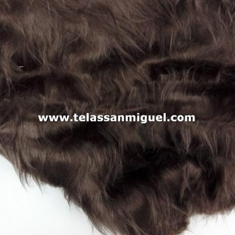 Peluche pelo largo marrón